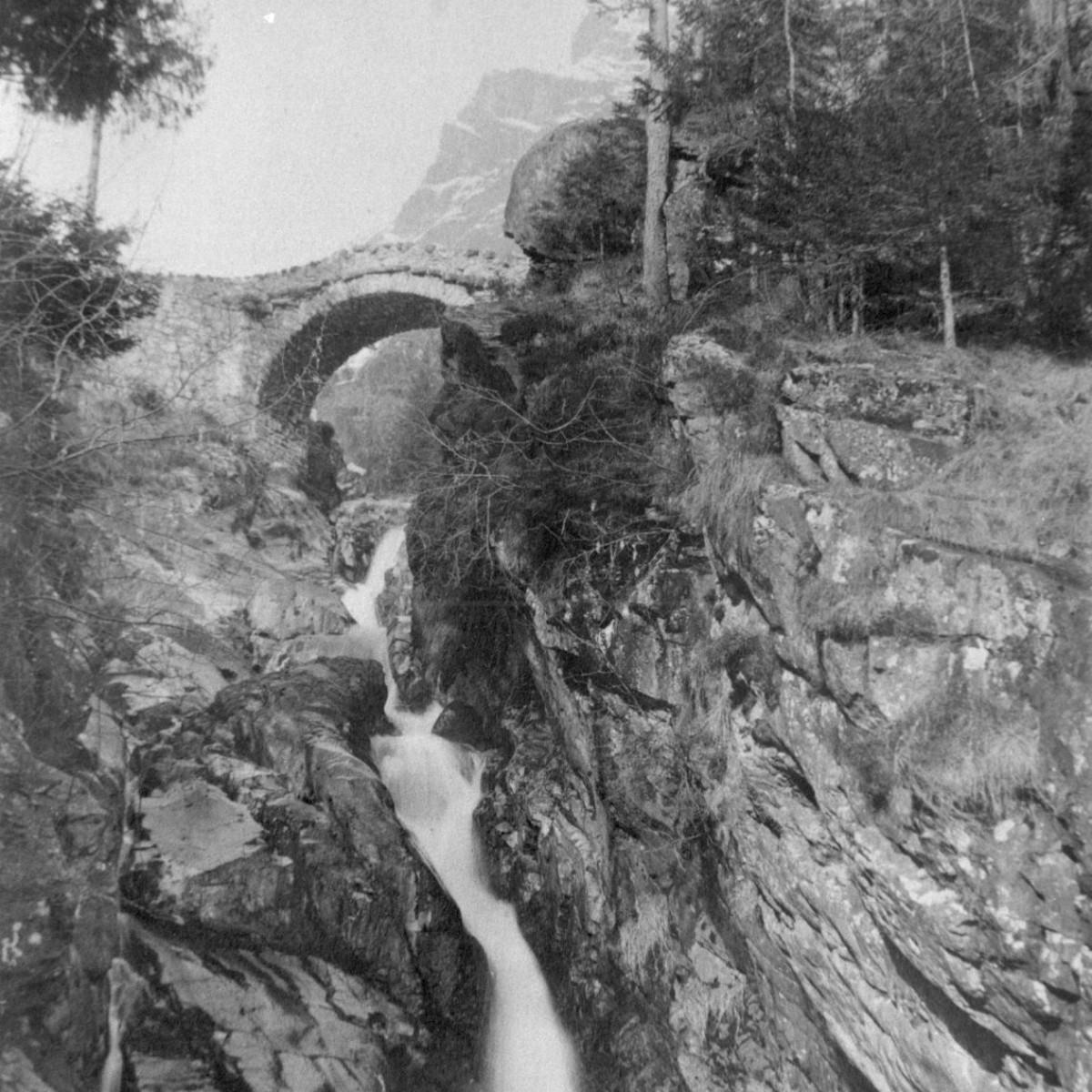 Antico ponte nella valle del Gleno prima del disastro