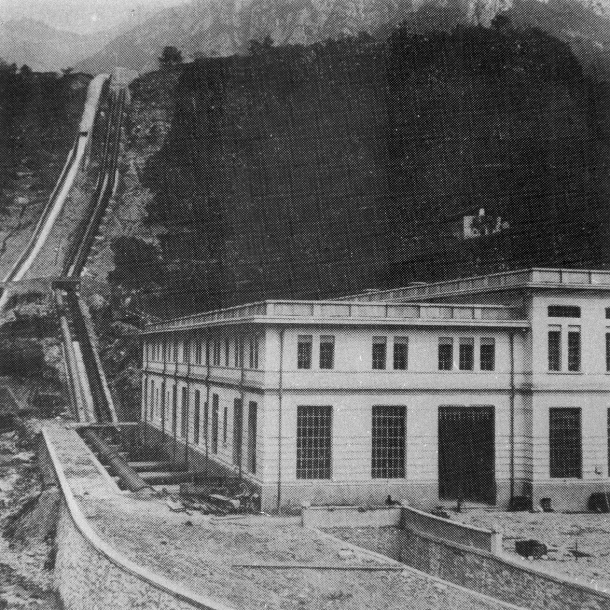 Centrale di Mazzunno prima del disastro