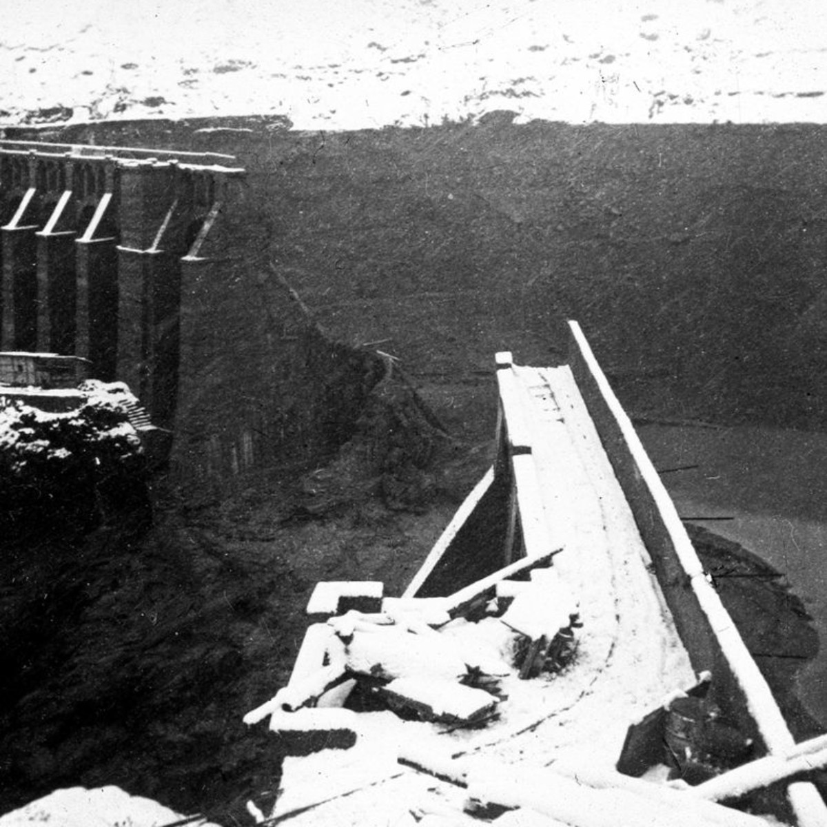 1 dicembre 1923 ore 10. La breccia nella diga