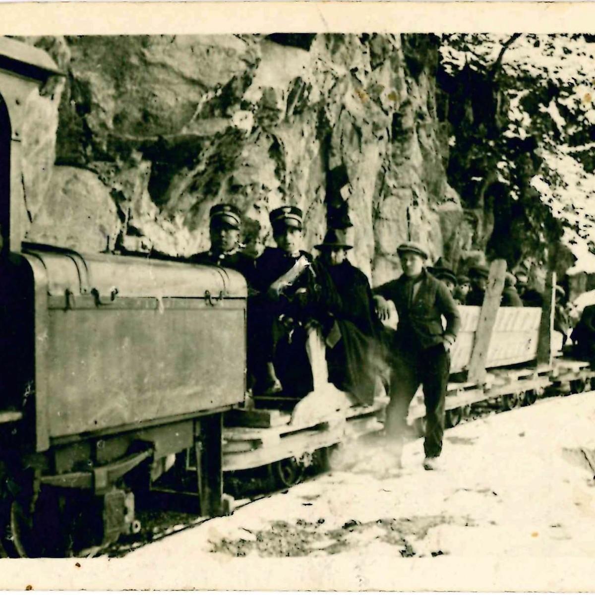 Carabinieri in posa sul trenino dei lavori_Fronte