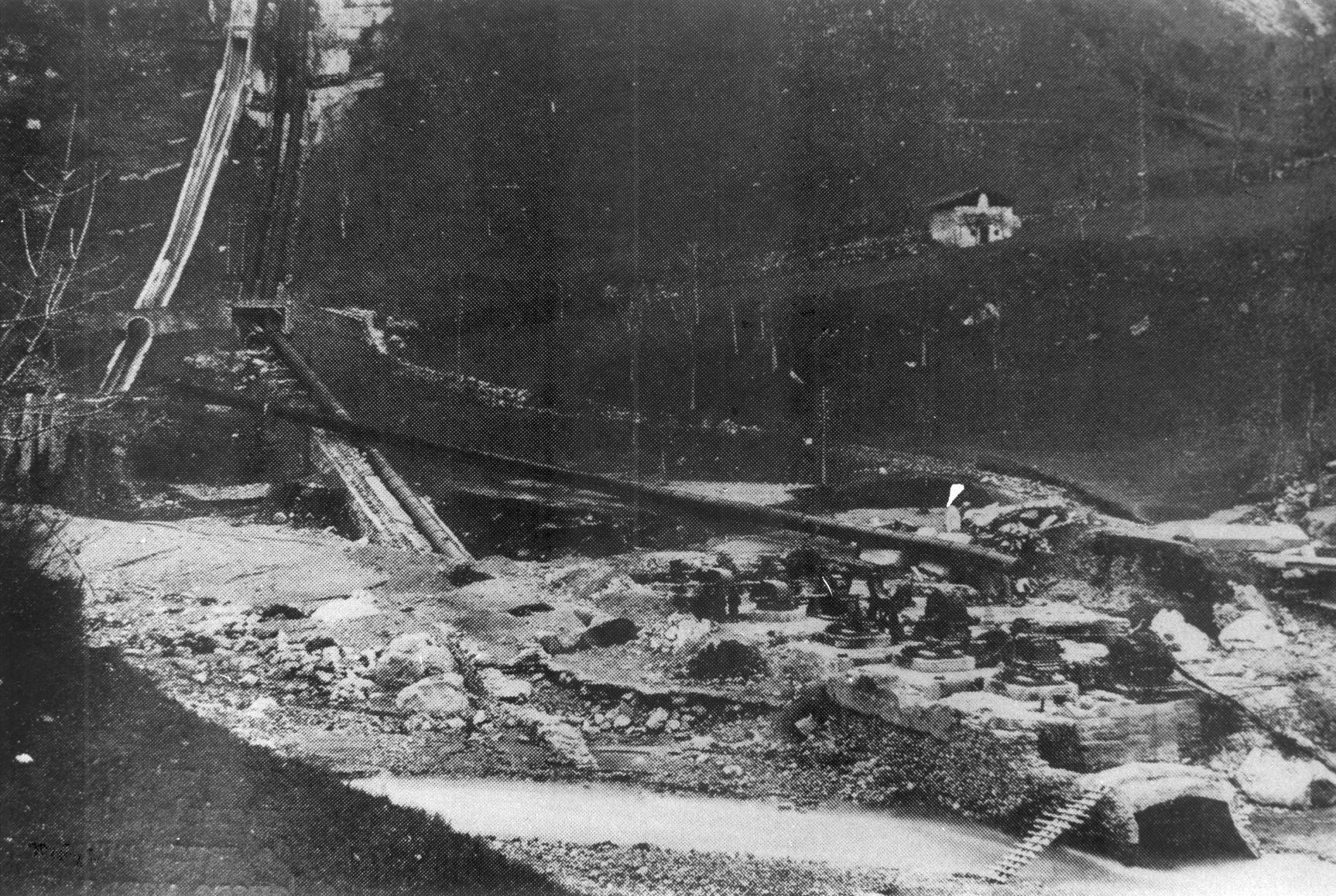 Centrale di Mazzunno dopo il disastro