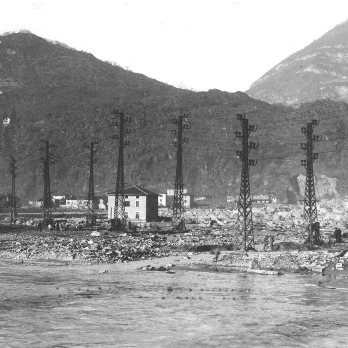 Devastazione a Darfo dopo il disastro (2)