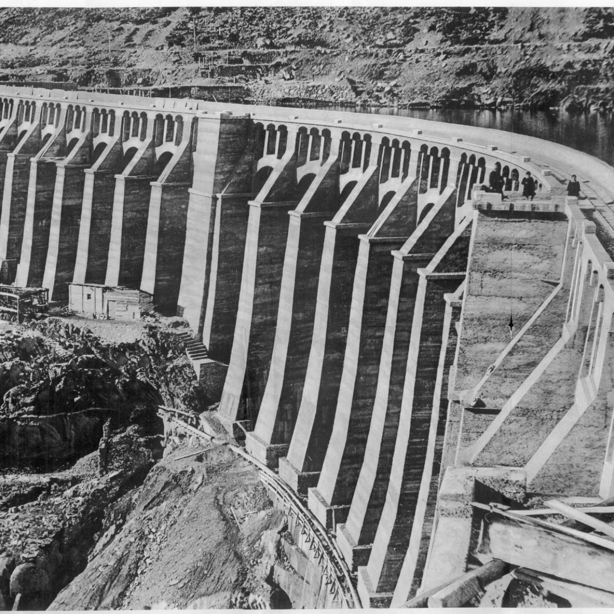 La diga terminata nell'ottobre del 1923 (2)